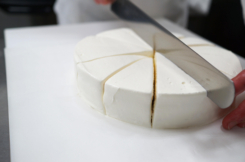 パティシエの長時間労働改善の為に「際限なくケーキを作るのを辞める」とは?