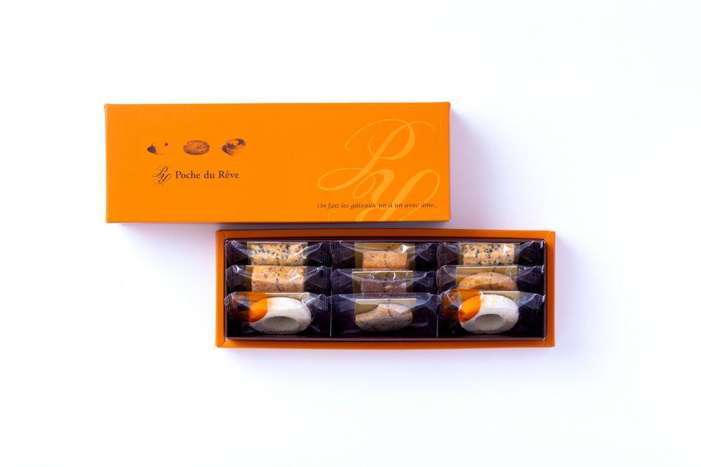 焼き菓子の箱の写真