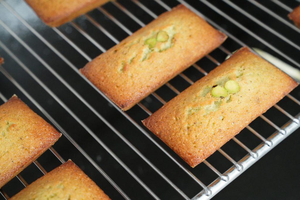 美味しいお菓子を作るだけでは難しい