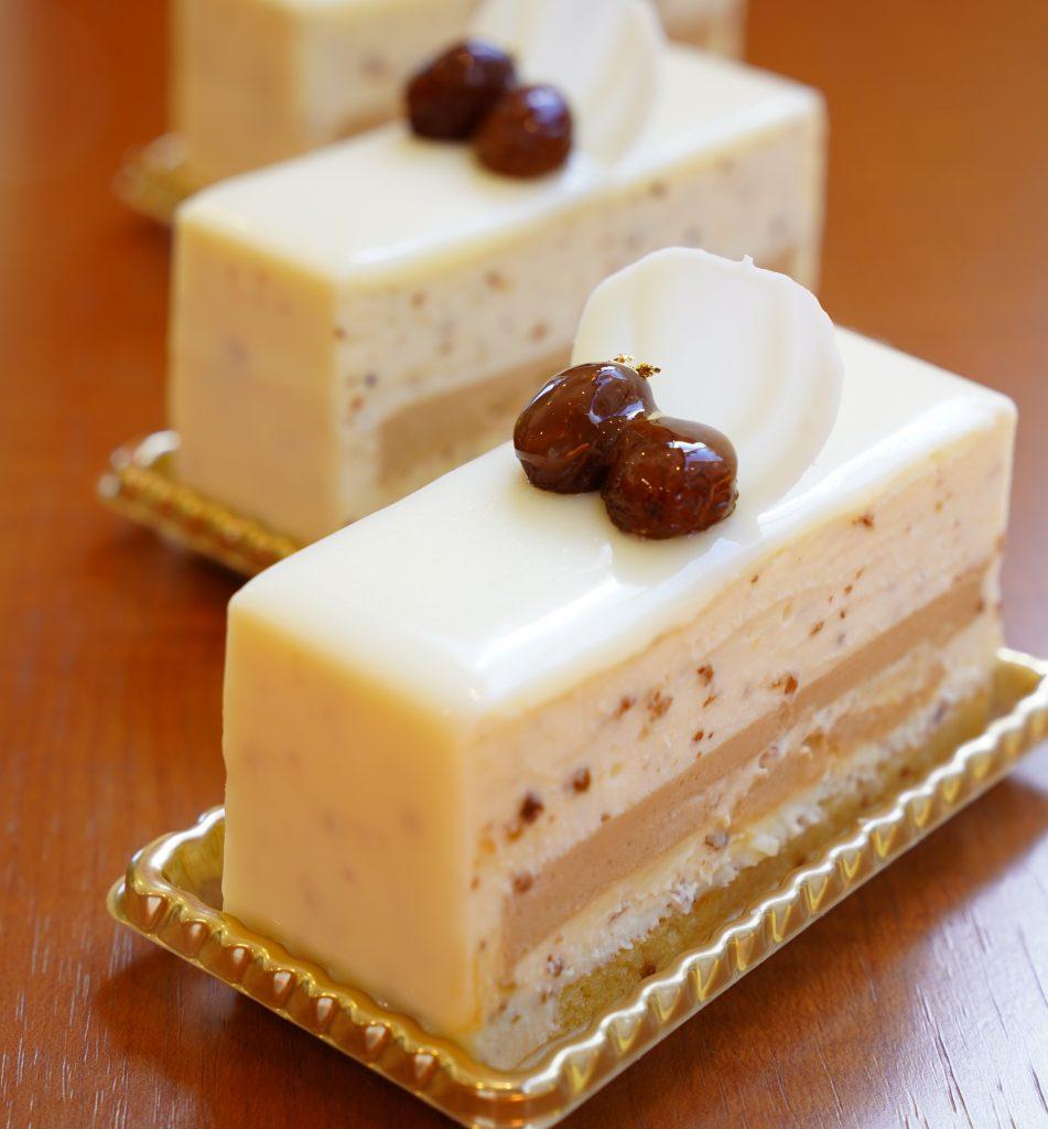 ケーキの写真ラムレザン